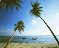 BOAT TOUR AROUND PHU HAI